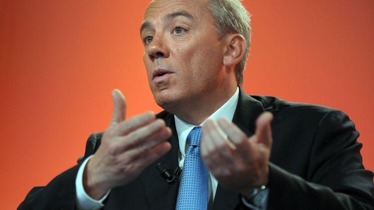 Le PDG d'Orange, Stéphane Richard, lors d'une conférence de presse à Paris le 24 février 2011. (ERIC PIERMONT / AFP)