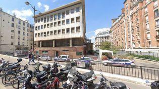 Les violences dénoncées par la victime américaine seraient survenues lors de son passage en cellule de dégrisement au commissariat du Vᵉ arrondissement de la capitale. (CAPTURE D'ECRAN GOOGLE MAPS)