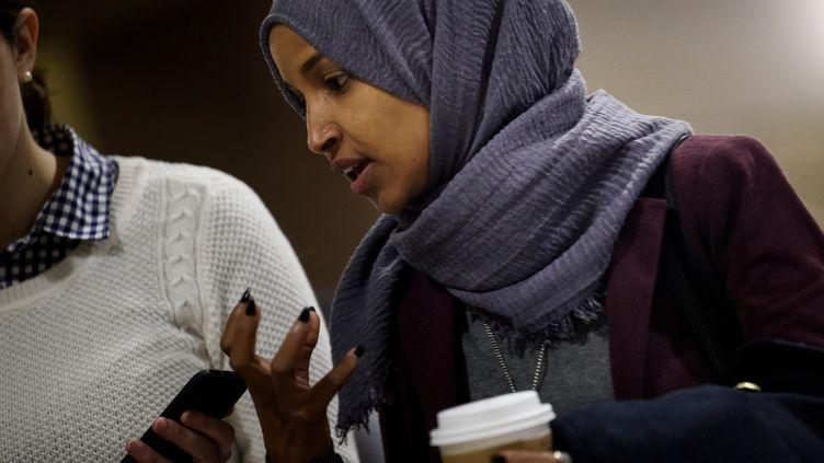 Ilhan Omar, nouvelle élue au Congrès américain, le 15 novembre 2018, àWashington. (BRENDAN SMIALOWSKI / AFP)