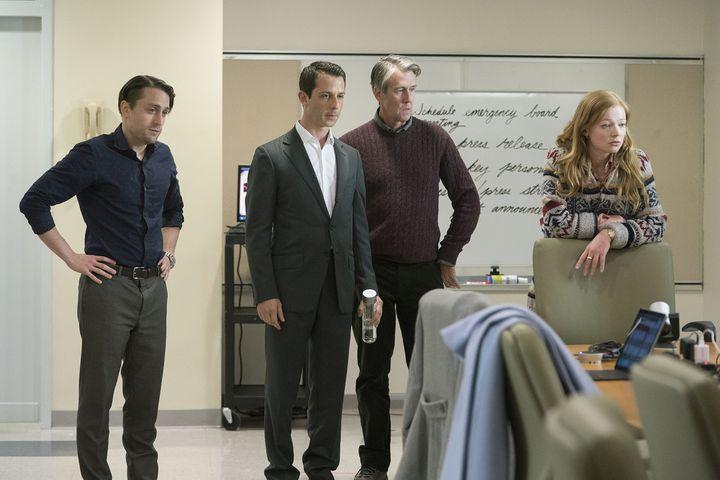 La fratrie Roy. De gauche à droite, Roman (Kieran Culkin), Kendall (Jeremy Strong), Connor (Alan Ruck) et Shiv (Sarak Snook). (HBO)