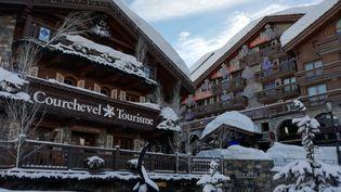 Office de tourisme de Courchevel (Savoie) en hiver. (CHRISTOPHE VAN VEEN / RADIO FRANCE)