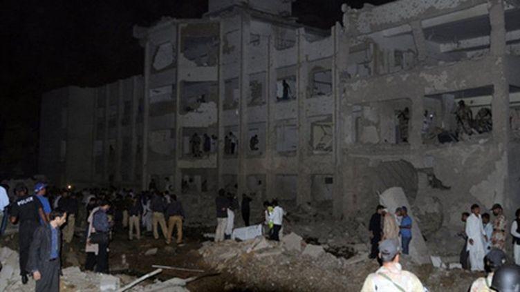 Attentat contre un poste de police de Karachi (11/11/2010) (AFP - RIZWAN TABASSUM)