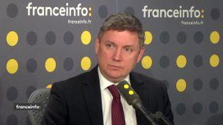 Artem Studennikov, premier conseiller de l'ambassade de Russie en France, invité de franceinfo, le 12 avril 2018. (RADIO FRANCE / FRANCE INFO)