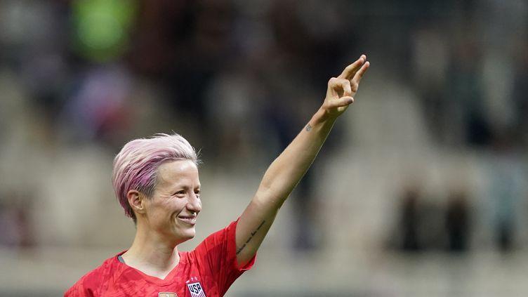 La joueuse américaine Megan Rapinoe, le 11 juin 2019, contre la Thaïlande à Reims (Marne). (LIONEL BONAVENTURE / AFP)