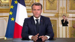 Emmanuel Macron prononce une allocution depuis l'Elysée, à Paris, le 4 octobre 2020. (FRANCE TELEVISIONS)