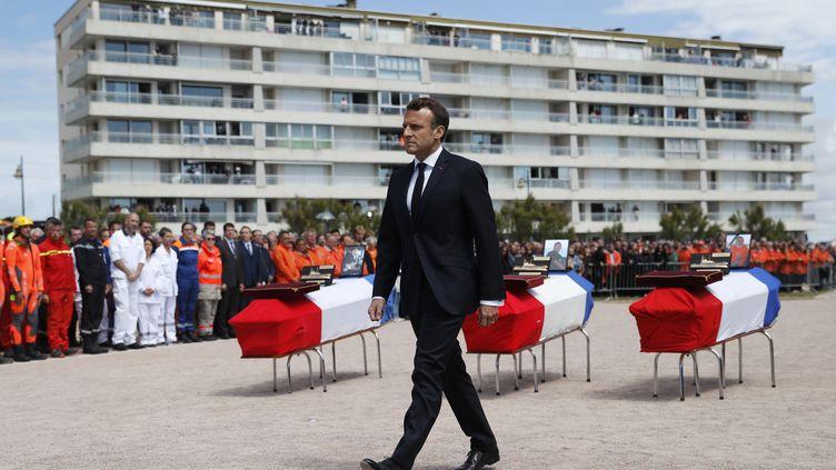 Emmanuel Macron lors de la cérémonie d'hommage aux sauveteurs morts en mer aux Sables-d'Olonne, jeudi 13 juin 2019. (STEPHANE MAHE / POOL)