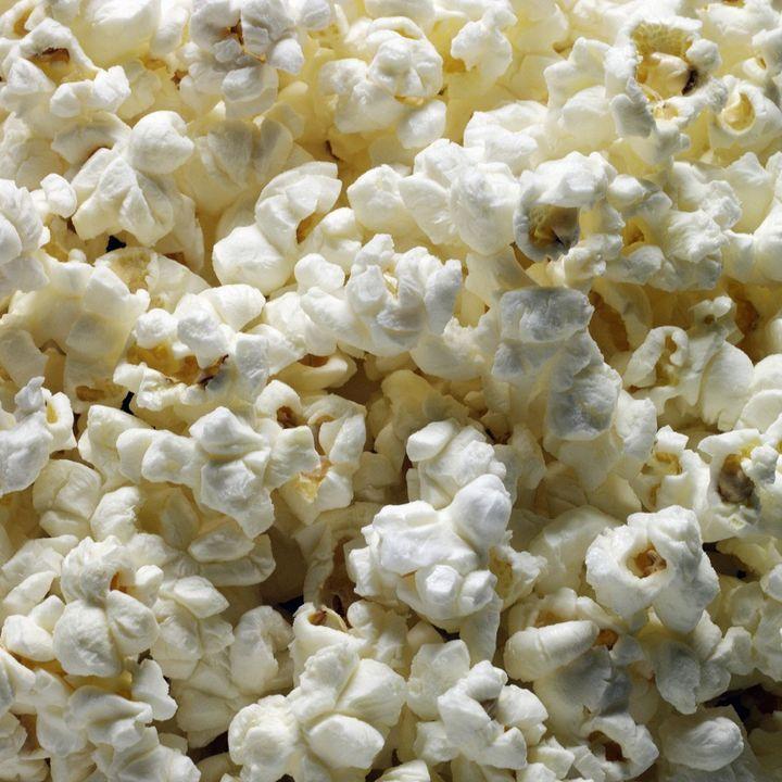 En France, seuls certains produits de niche et d'importation, comme l'huile de soja, le pop-corn ou lemarshmallow, portent la mention OGM. (MONICA RODRIGUEZ / GETTY IMAGES)
