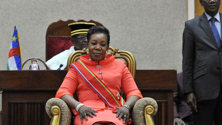 Catherine Samba Panza a prêté serment devant les magistrats de la Cour constitutionnelle - Bangui el 23 janvier 2014 (ISSOUF SANOGO / AFP)