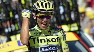 Le coureur polonais de l'équipe Tinkoff-Saxo, Rafal Majka, vainqueur de la 11e étape du Tour de France à Cauterets (Hautes-Pyrénées), le 15 juillet 2015. (JEFF PACHOUD / AFP)