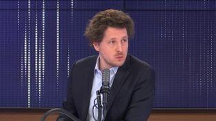 Julien Bayou, secrétaire national d'Europe Écologie-Les Verts (EELV), invité de franceinfo mercredi 24 février 2021.  (FRANCEINFO / RADIO FRANCE)