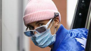 Justin Bieber arbore désormais un masque pour se protéger de la pandémie. (X17/SIPA)