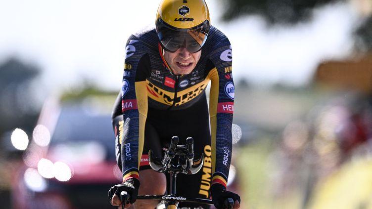 Wout van Aert (Jumbo-Visma) à l'arrivée du contre-la-montre de la 20e étape du Tour de France 2021 (ANNE-CHRISTINE POUJOULAT / AFP)