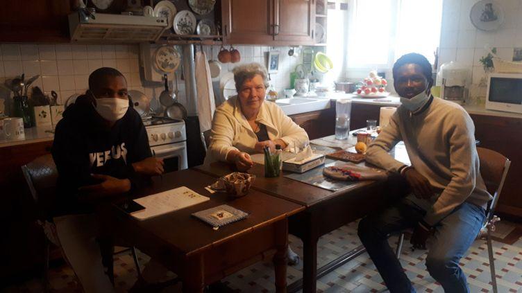 Ousmane, Michele et Mamadou des collocataires soudés pendant la crisedu Covid-19 à Bordeaux. (Farida Nouar)