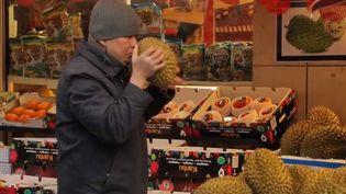 Mardi 5 février se déroule le Nouvel An chinois, l'année du cochon de terre. Direction le quartier asiatique de Paris, dans le 13e arrondissement, à quelques jours des festivités. (FRANCE 3)