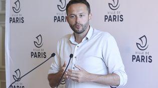 David Belliard, maire adjoint Europe Ecologie-Les Verts à la maire de Paris, était l'invité de franceinfo, le 6 octobre 2021. (SÉBASTIEN MUYLAERT / MAXPPP)