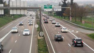 Des voitures sur la rocade de Dijon. (THOMAS NOUGAILLON / FRANCE-BLEU BOURGOGNE)