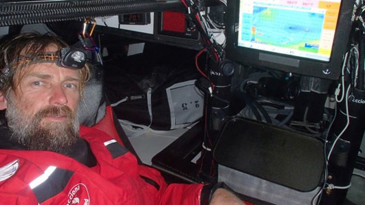Javier Sanso à bord d'Acciona 100% EcoPowered