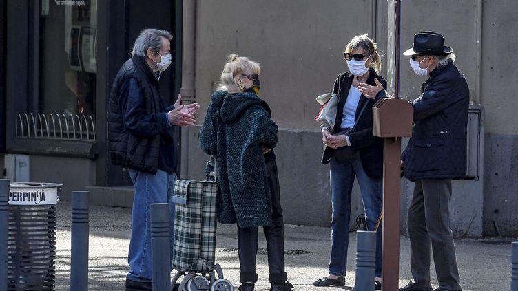 Le gouvernement n'a pas prévu de rendre obligatoire le port du masque dans l'espace public. (MICHEL CLEMENTZ / MAXPPP)