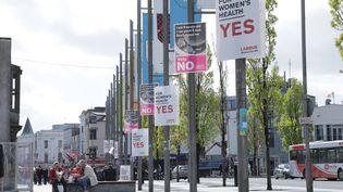 Le centre-ville de Galway en Irlande, le 3 mai 2018. (ELISE LAMBERT/FRANCEINFO)