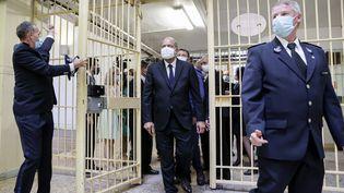 Le ministre de la Justice Eric Dupond-Moretti, le 7 juillet 2020 à la prison de Fresnes (Val-de-Marne). (THOMAS COEX / AFP)