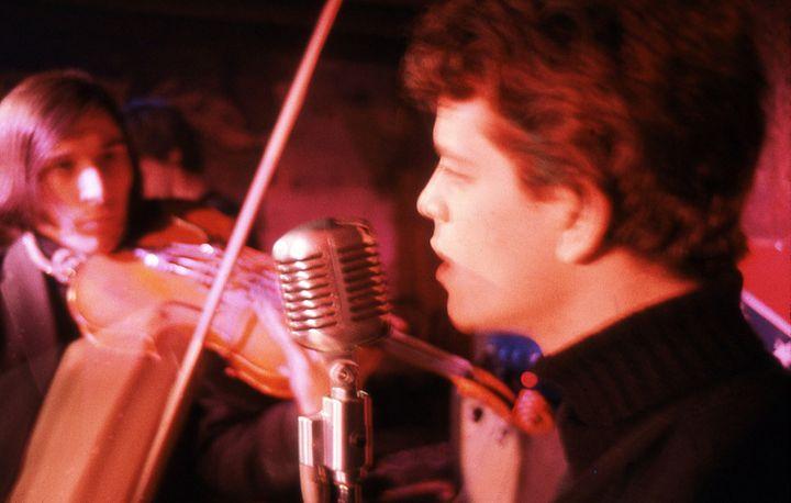 John Cale et Lou Reed au Café Bizarre de Greenwich Village en 1965.  (Adam Ritchie)