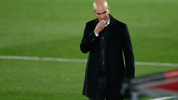 A deux doigts d'une élimination historique, Zinédine Zidane a de quoi se ronger les ongles. (OSCAR BARROSO / SPAIN DPPI)