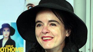 """Amélie Nothomb en tournée fait la tournée des régions pour dédicacer son 23e roman""""Pétronille""""  (PHOTOPQR/L''ALSACE)"""