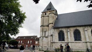 L'église de Saint-Etienne-du-Rouvray (Seine-Maritime),le 27 juillet 2016,où deux terroristes ont tué un prêtre et grièvement blessé un paroissien. (CHARLY TRIBALLEAU / AFP)