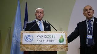 Le ministre français des Affaires étrangères, Laurent Fabius, le 29 novembre 2015 au Bourget (Seine-Saint-Denis), où ont lieu les négociations de la COP21. (JACKY NAEGELEN / REUTERS)