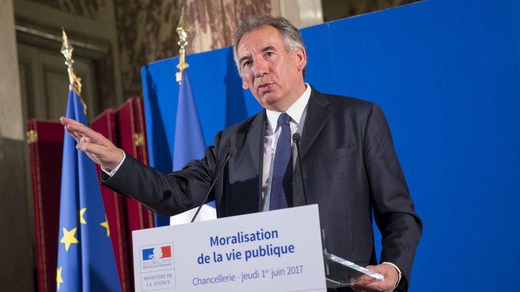 Le ministre de la Justice, François Bayrou, le 1er juin 2017 à Paris, lors d'une conférence de presse sur le projet de loi de moralisation de la vie publique. (MAXPPP)