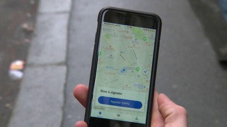 Mardi 7 janvier, à Paris, un jeune homme a secouru un bébé pendant un malaise cardiaque grâce à une application. (FRANCE 3)