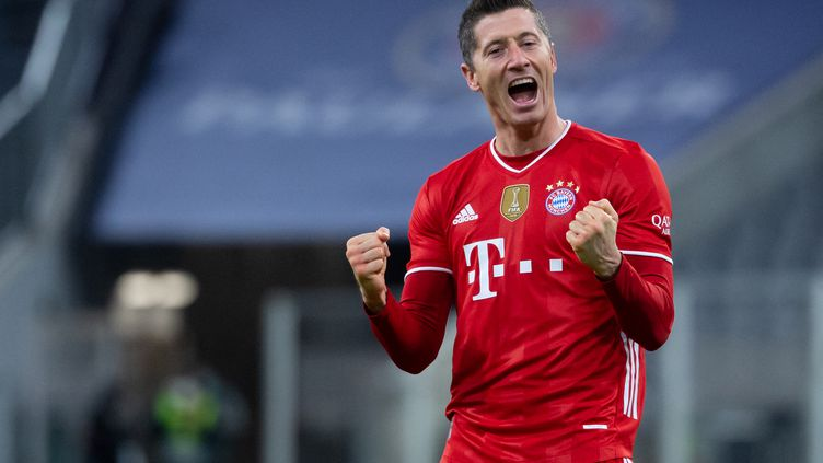 Robert Lewandowski s'est encore offert un triplé en Bundesliga. (SVEN HOPPE / DPA)