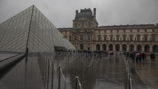 Les employés du musée du Louvre à Paris ont fait valoir leur droit de retrait avec l'épidémie de coironavirus, le 1er mars mars 2020. (MAXPPP)