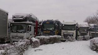Neige : la colère des chauffeurs de poids lourds immobilisés pendant une nuit. (FRANCE 3)