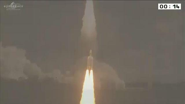 La fusée Ariane 5 décolle de Kourou avec 4 satellites du système de navigation Galileo