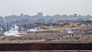 Les violences sur la bande de Gaza ont fait près de 60 morts, le lundi 14 mai 2018. (AHMAD GHARABLI / AFP)