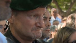 Arthur Hopfner est un ancien commando marine. Il a servi en Afrique, au Moyen-Orient, en Europe. Il vient rendre un hommage à ses frères d'arme dans le Var. (FRANCE 3)