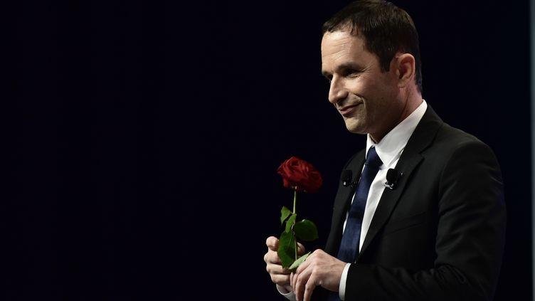 """Benoît Hamonen meeting au Zénith de Nancy (Meurthe-et-Moselle), le 5 avril 2017. L'ancien candidat PS à la présidentielle a annoncé, le 10 mai 2017, son intention de lancer un """"nouveau mouvement"""" pour peser sur les propositions de la gauche. (PHILIPPE LOPEZ / AFP)"""