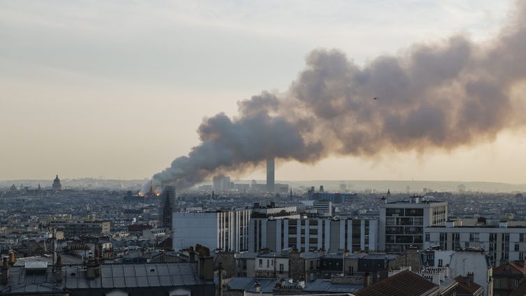 La cathédrale Notre-Dame de Paris en feu, le 15 avrli 2019. (MAXPPP)