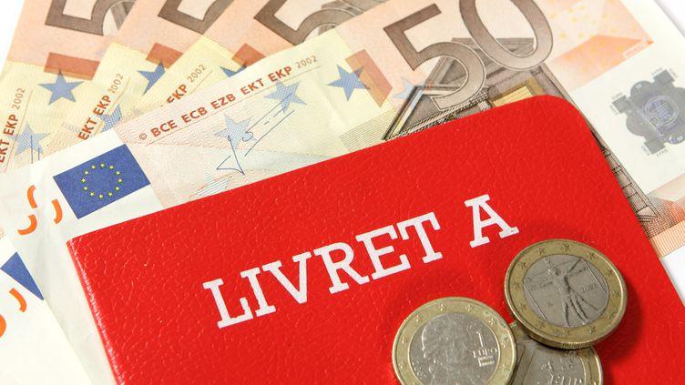 (Actuellement fixée à 1%, le taux de rémunération du Livret A pourrait être abaissé à partir du 1er août © fotolia)