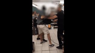 Capture d'écran de la vidéo mise en ligne le 8 octobre 2018 sur YouTube par le jeune malvoyant Arthur Aumoite, expulsé d'un supermarché Monoprix de Marseille avec son chien guide. (ARTHUR AUMOITE / YOUTUBE)