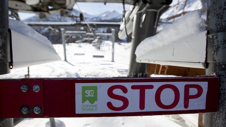 L'Etat a prévu d'élargir les aides à destination des professionnels de la montagne. (THIBAUT DURAND / HANS LUCAS)