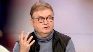 Dominique Besnehard sur le plateau de France 2 le dimanche 3 janvier 2016  (France 2 Culturebox)
