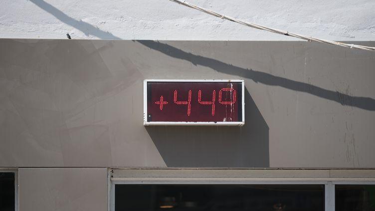 Un thermomètre à La Baule (Loire-Atlantique), le 22 juillet 2019. (ESTELLE RUIZ / NURPHOTO / AFP)
