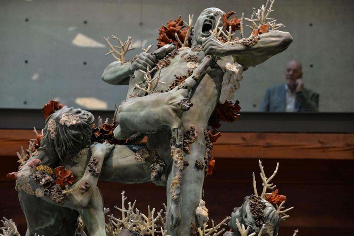 """""""Cronos dévorant ses enfants"""", une oeuvre de Damien Hirst exposée à Venise dans le cadre de""""Treasures from the Wreck of the Unbelievable"""".  (Andrea Merola/AP/SIPA)"""