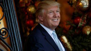 Le président élu des Etats-Unis, Donald Trump, dans sa résidence de Mar-a-lago, à Palm Beach en Floride, le 28 décembre 2016. (JONATHAN ERNST / REUTERS)