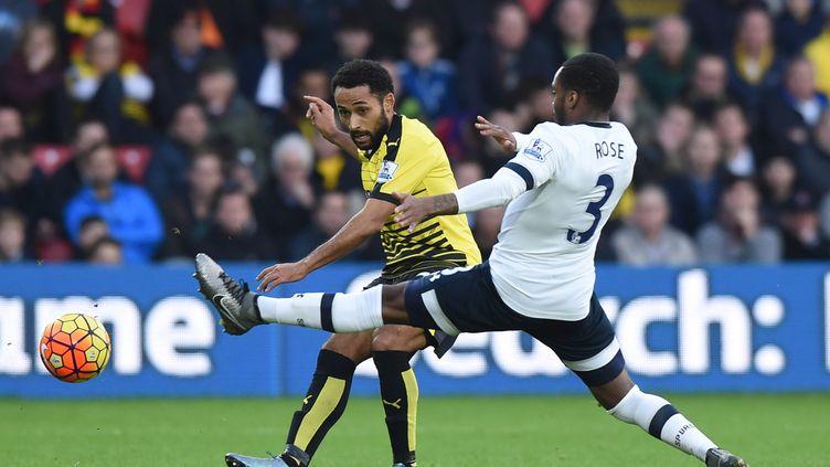 Ikechi Anya (Watford) à la lutte avec Danny Rose (Tottenham)