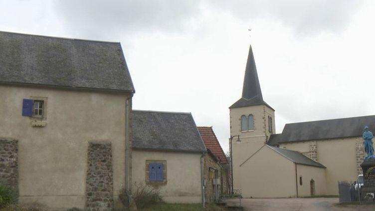 Deux villages du Puy-de-Dôme peinent à recruter des candidats pour les prochaines élections municipales des 15 et 22 mars prochains. (France 2)