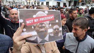 Des manifestants dans les rues d'Alger, le 13 décembre 2019. (?ADEL SEHREI/WOSTOK PRESS / MAXPPP)