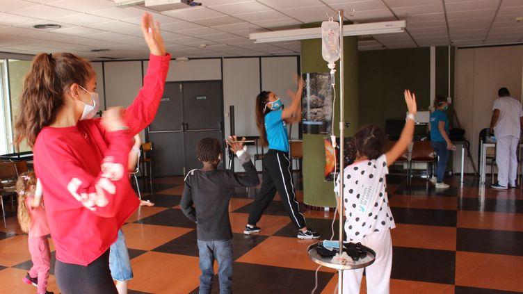 """L'association """"Premiers de Cordée"""" a sillonné la France pour proposer une activité de danse à des enfants hospitalisés."""